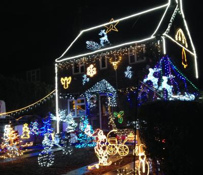 Phyllis Tuckwell's Christmas Lights Tour